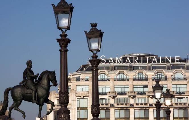 La façade art déco de l'immeuble principal de la Samaritaine, vue du Pont-Neuf, à Paris en février 2010.