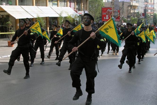 Cet assassinat intervient alors que le Hezbollah combat depuis des mois auprès du régime syrien de Bachar Al-Assad, lui permettant de remporter des victoires sur le terrain face aux rebelles.