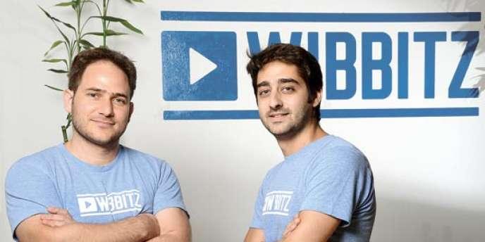 Les deux co-fondateurs de Wibbitz, Zohar Dayan (PDG, à droite) et Yotam Cohen (vice-président en charge du développement commercial), dans leurs bureaux à Tel-Aviv.