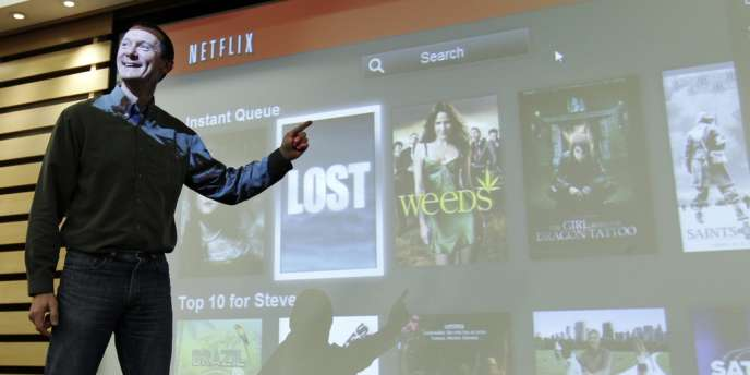 Netflix propose des films et des séries en continu sur Internet, concurrençant ainsi les géants de la télévision américaine.