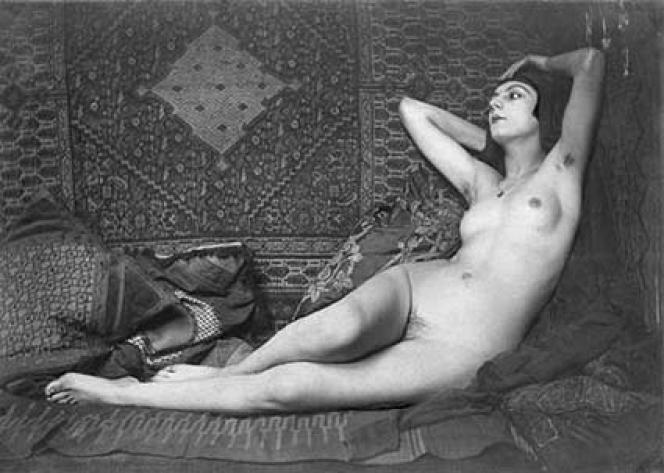 Kiki de Montparnasse sur une photo prise par Man Ray dans les années 1920.