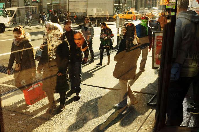 Sur Broadway, à New York, le 2 décembre.