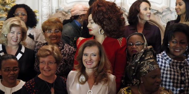 Valérie Trierweiler et les premières dames africaines à Paris le 6 décembre.