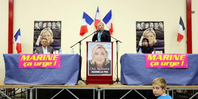 Marine Le Pen en meeting à Bergerac, le 9 novembre.