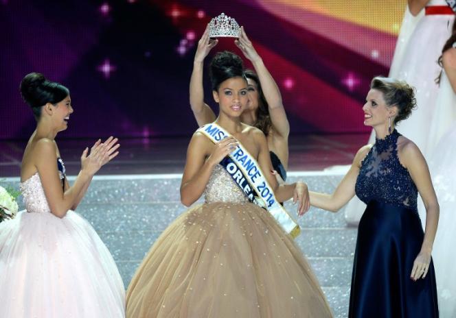Miss France 2014, Flora Coquerel, couronnée à Dijon dans la nuit du 7 au 8 décembre 2013.
