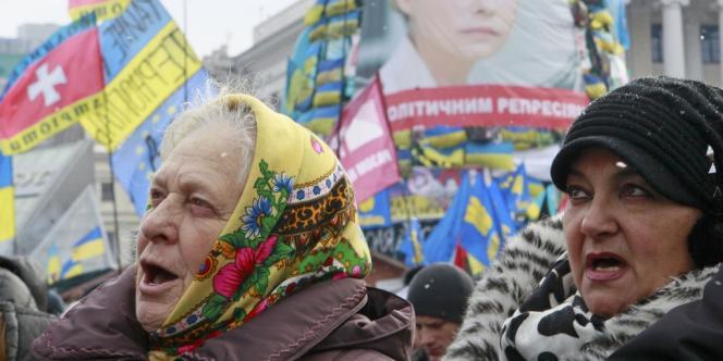 Une « marche du million » est organisée dimanche à Kiev pour exiger la démission du gouvernement et le rapprochement du pays avec l'Union européenne.