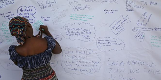 Messages à l'ancien président sud-africain Nelson Mandela, au musée de Xunu, le 7 décembre.