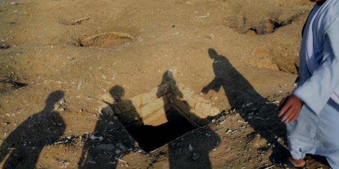 A Abousir Al-Malek, le 2 novembre. La nécropole, active de 3 200 av. J.-C. au VIIIe siècle, est livrée au trafic d'objets archéologiques.