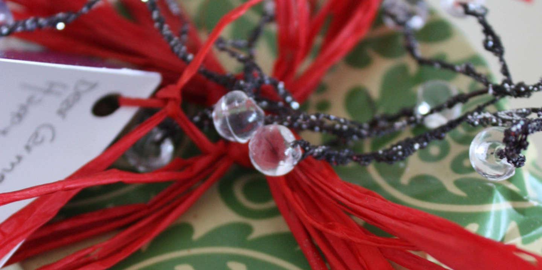 4c0193996ef1d3 Des cadeaux de Noël d'occasion dans les souliers
