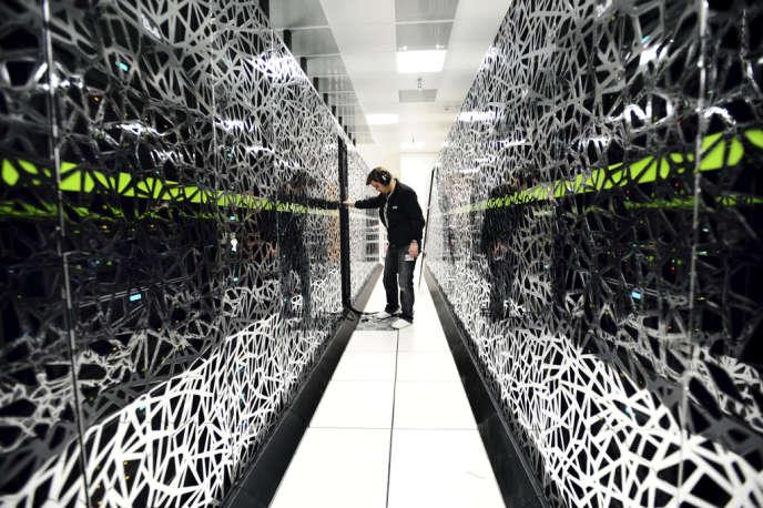 Intervention sur le supercalculateur Curie du Très Grand Centre de calcul du CEA (Commissariat à l'énergie atomique et aux énergies alternatives).