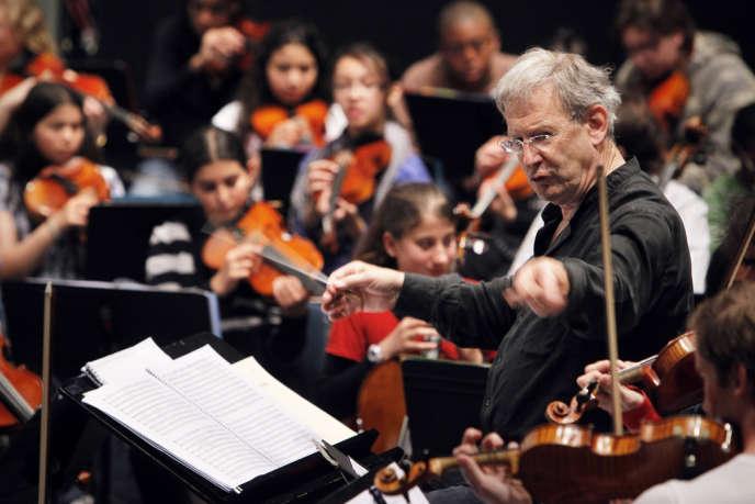 Le chef d'orchestre britannique John Eliot Gardiner à la Cité de la musique à Paris, le 21 juin 2010.