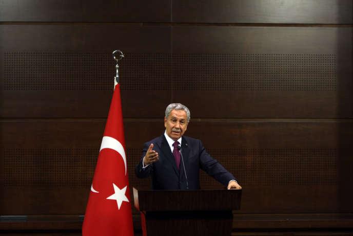 Bülent Arinç, à Ankara, le 4 juin, s'est excusé, au nom des autorités, auprès des manifestants brutalisés par la police.