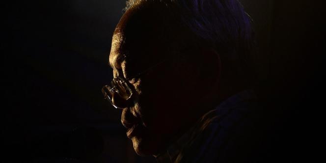 Suthep Thaugsuban, ici le 10 décembre, a lui-même été inculpé de sédition, mais les forces de l'ordre n'ont pas tenté de l'arrêter.