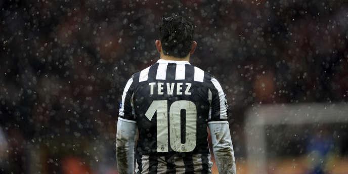 Carlos Tevez, l'attaquant argentin de la Juve, le 11 décembre sur le terrain du Galatasaray.