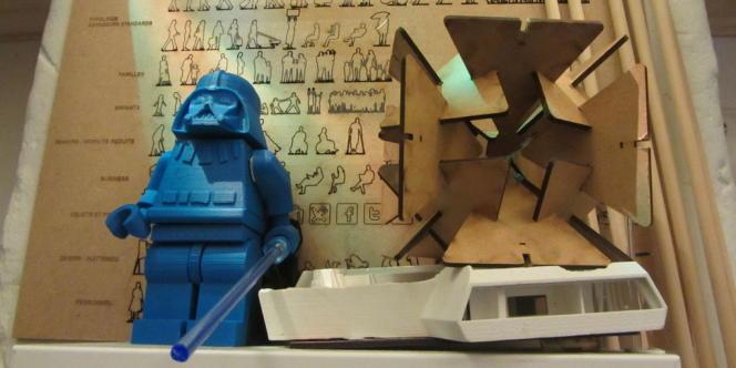 Une figurine de Lego Star Wars grand format imprimée en 3D, au