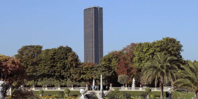 La tour Montparnasse vue du jardin du Luxembourg.