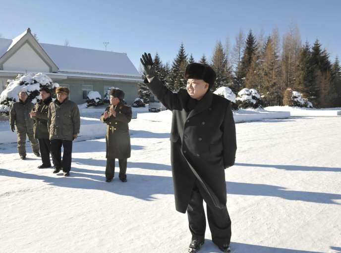 Kim Jong-un, sur une photo diffusée le 30 novembre par l'agence nord-coréenne KCNA.