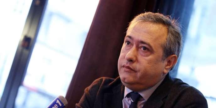 Dominique Tiberi, lors de l'annonce de sa candidature aux municipales dans le 5e arrondissement de Paris.