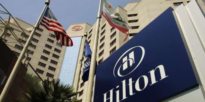 Blackstone est parvenu à introduire en Bourse, fin 2013, la chaîne hôtellière Hilton, dans laquelle il avait investi 6,7 milliards de dollars en 2007, avec à la clé une plus-value de 8,5 milliards de dollars.