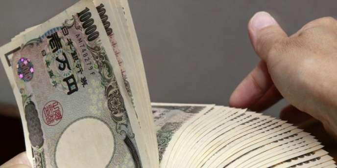 Billets de monnaie japonaise, le yen, à Tokyo.