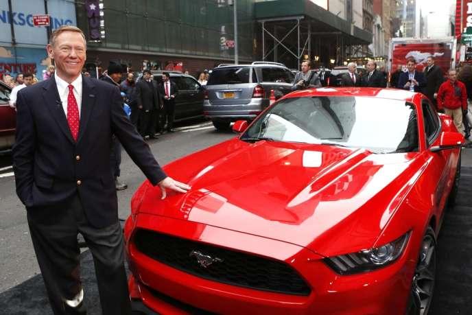 Le directeur général de Ford Alan Mulally  à New York le 5 décembre 2013.