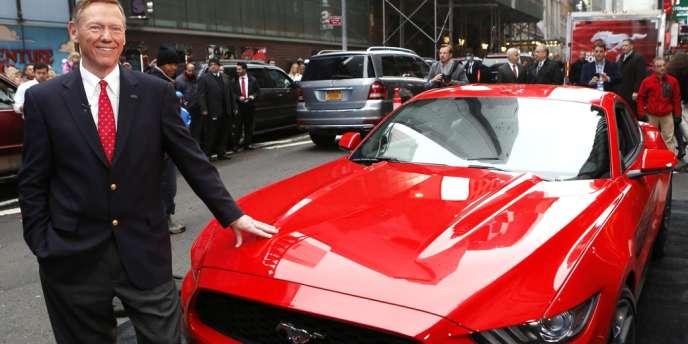 Le directeur général de Ford Motor, Alan Mulally, début décembre à New York.