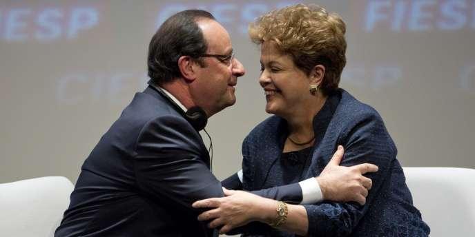 Le président français François Hollande et son homologue brésilienne Dilma Rousseff, le 13 décembre à Sao Paulo.