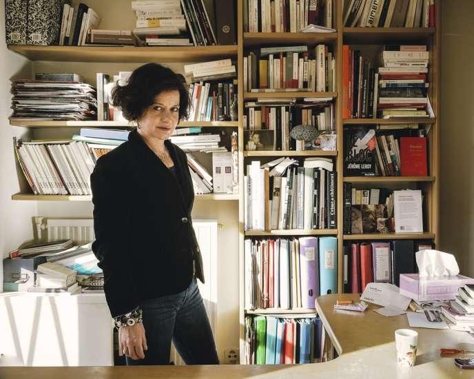 Elisabeth Lévy, chez elle, à Paris,  le 6 décembre.