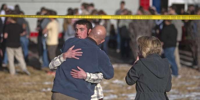 Le lycéen armé d''une carabine a pénétré dans l''établissement scolaire en milieu de journée à la recherche d''un professeur après qui il en avait pour une raison qui reste indéterminée.