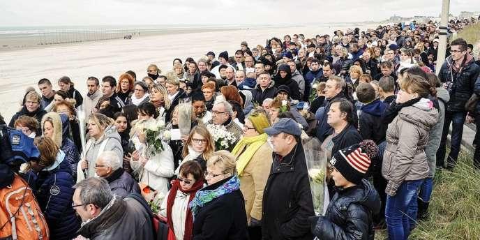La découverte du corps d'une fillette noyée, le 20 novembre sur la plage de Berck-sur-Mer, a suscité  l'émotion de la France entière.