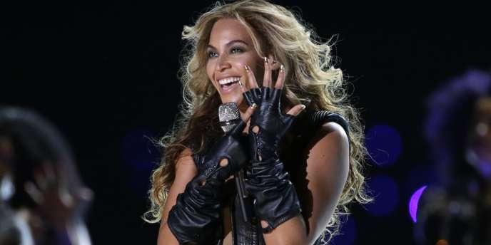 Beyoncé a créé la surprise en sortant un album sur i-Tunes. Ici sur la photo lors du Super Bowl en février 2013.