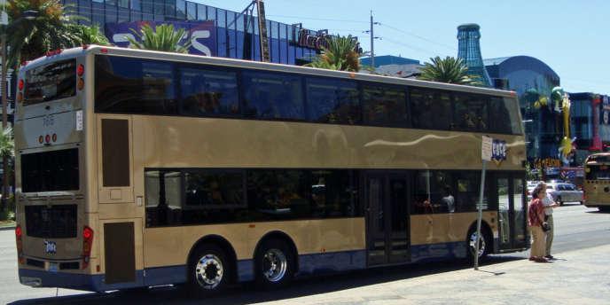 Les 213 bus parés d'or, gérés par Keolis, transportent 60<ET>millions de passagers par an à Las Vegas.