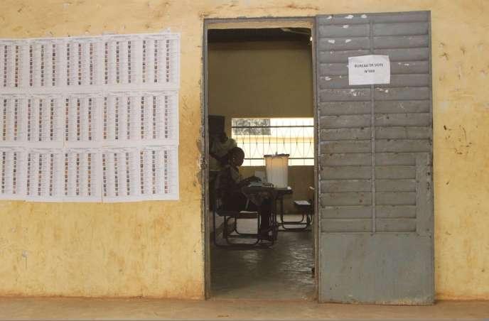 Cinq mois après un scrutin présidentiel qui avait fortement mobilisé les Maliens (plus de 50 % de participation), l'élection d'une nouvelle Assemblée ne déchaîne pas les foules.