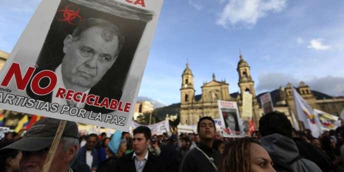 La destitution du maire de Bogota a provoqué de nombreuses manifestations dans la capitale.