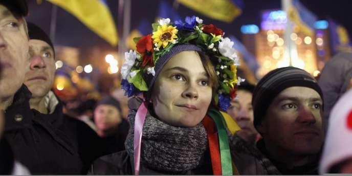 Les manifestants demandent la démission du ministre de l'intérieur et du premier ministre, principaux alliés du président Ianoukovitch.