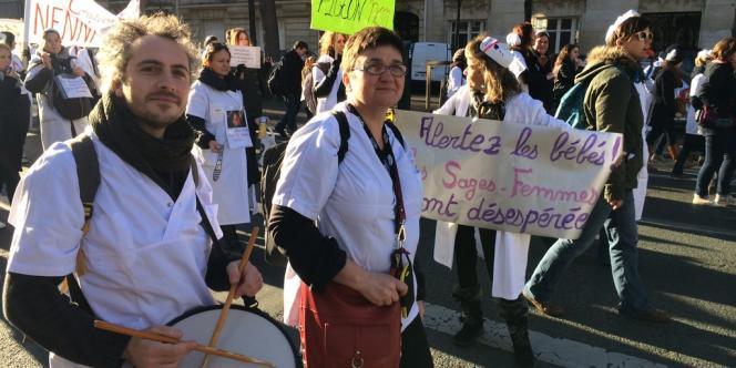 Manifestation des sages-femmes à Paris, le 16 décembre 2013.