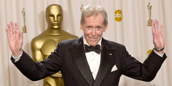 Peter O'Toole remporte l'Oscar d'honneur pour sa carrière cinématographique en 2003 à Los Angeles.
