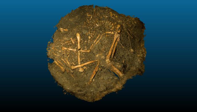 Fouille du puits à Entrains-sur-Nohain (Nièvre).