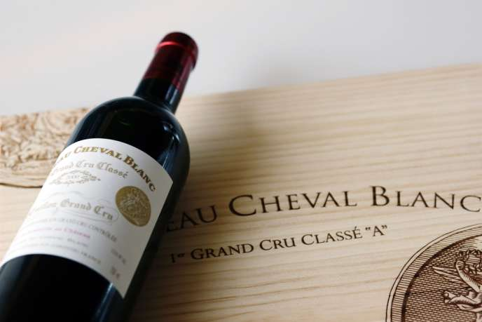 Une caisse de 12 bouteilles de château Cheval Blanc 1947 a été acquise début décembre aux enchères.