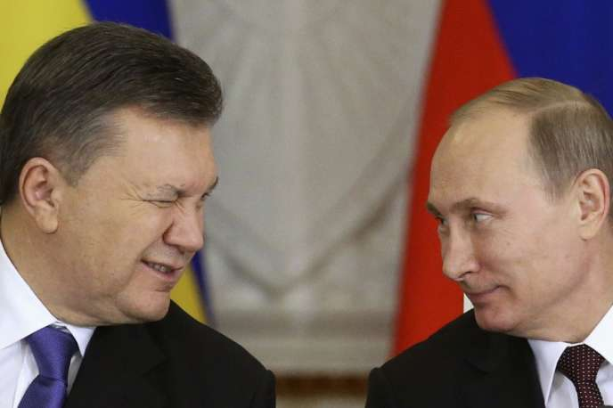 Le président ukrainien Viktor Ianoukovtich et son homologue russe Vladimir Poutine au Kremlin, le 17 décembre 2013.
