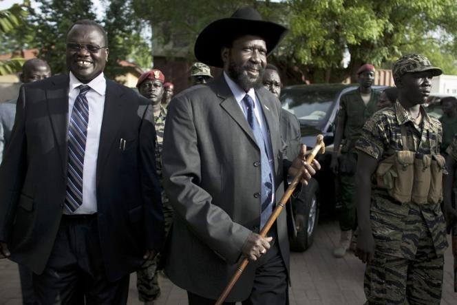 L'ancien vice-président du Soudan du Sud, Riak Machar (à gauche) et le président Salva Kiir, le 26 avril 2010.