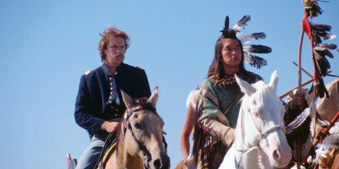 Kevin Costner et Graham Greene.