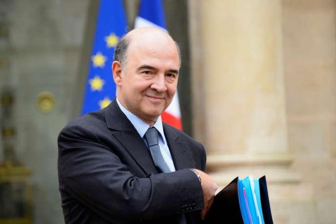 Pierre Moscovici, le commissaire européen aux affaires économiques et monétaires, à la fiscalité et à l'union douanière au sein la nouvelle commission Juncker.