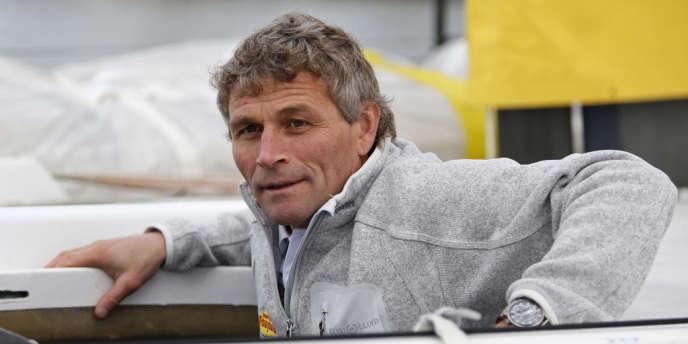 Bernard Stamm, ici avant le départ du Vendée Globe le 8 novembre 2012, et son coéquipier Damien Guillou, étaient en difficulté dans la nuit de lundi à mardi dans la Manche à bord du voilier