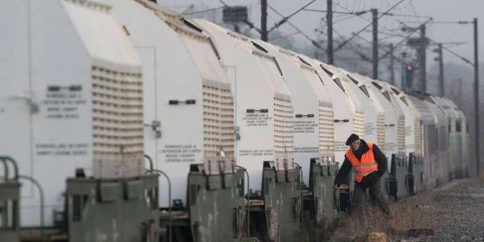 Un wagon de déchets nucléaires a déraillé sans causer de fuite radioactive à Drancy, le 23 décembre.