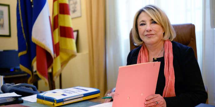 La maire UMP d'Aix-en-Provence, Maryse Joissains, a été placée en garde à vue le 26 décembre dans le cadre d'une enquête sur des emplois présumés fictifs.