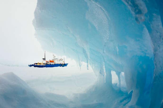Prisonniers de la banquise depuis le mardi 24 décembre, les passagers du navire russe devraient enfin être secourus.