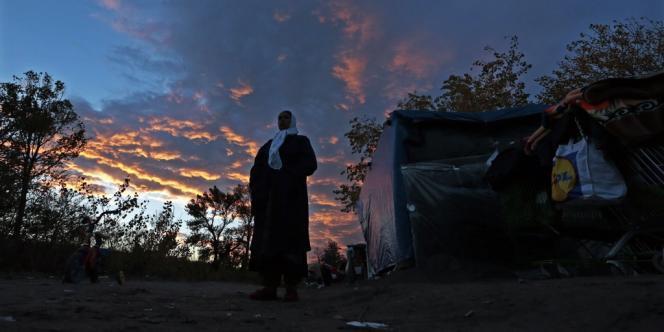 Dans un campement Rom près de Nice, le 27 novembre.