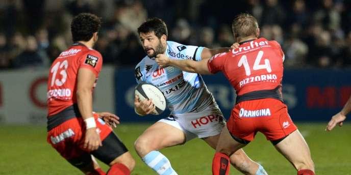 Fabrice Estebanez face à la défense du RCT, le 29 décembre à Colombes.