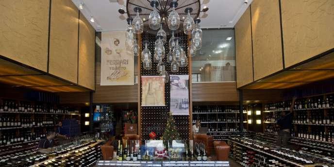 Dans une boutique spécialisée dans le vin à Sao Paulo.